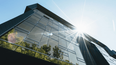 Large office building using solar energy