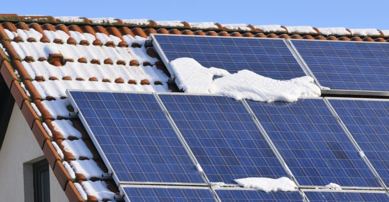 solar panels in winter, solar works in winter, does solar work in winter, does solar work through snow, will solar stop working in winter, solar winter, solar snow,